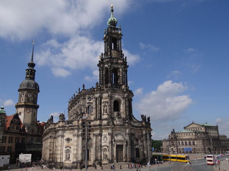 Придворный кафедральный собор (Katholische Hofkirche)