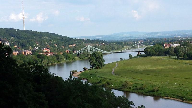 Дрезден вид на Эльбу